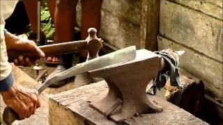 getlinkyoutube.com-Traditional furnace (Parang) of the Bidayuh in Semban, Sarawak
