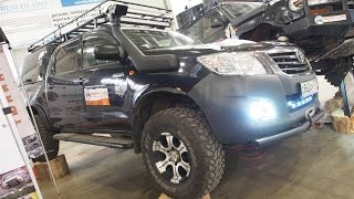 getlinkyoutube.com-Toyota Hilux Lifted Offroad Tuning  -  Exterior Walkaround - Moscow Offroad Show 2015