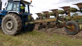 getlinkyoutube.com-ford tw 35 two ploughs !! with front mounted 3 furrow and 6 furrow back !!!