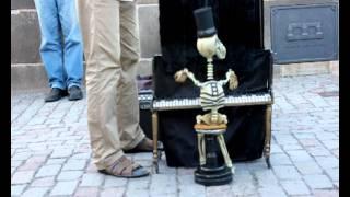 getlinkyoutube.com-Mr Skeleton & The Skeleton Sisters