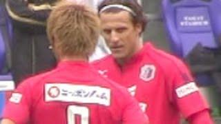 getlinkyoutube.com-ディエゴフォルラン専用カメラ 【J1開幕!広島戦】| Diego Forlán Corazo J.League First Match Cerezo Osaka