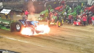 getlinkyoutube.com-Tractorpulling - Best of Crash USA