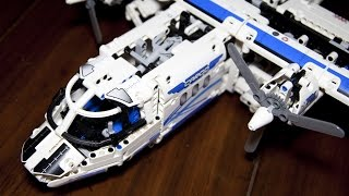getlinkyoutube.com-Lego Technic 42025 Cargo Plane and Hovercraft Speed Build with Power Functions