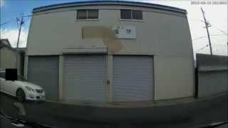 getlinkyoutube.com-事故 の 瞬間 DQN 飛出し 女性 ドライバー の ミラ ドライブレコーダー