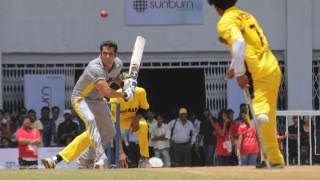 getlinkyoutube.com-Salman Khan At Charity Cricket Match!