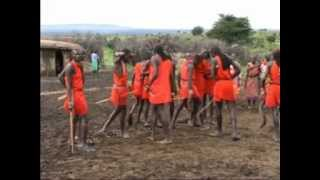 getlinkyoutube.com-Kenya Masai tribe singing and dancing