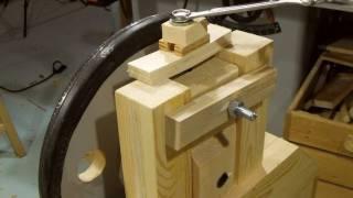 Bandsaw wheel mounts