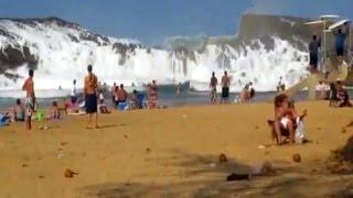 getlinkyoutube.com-BEACH RESORT AMAZING TSUNAMI WAVES !