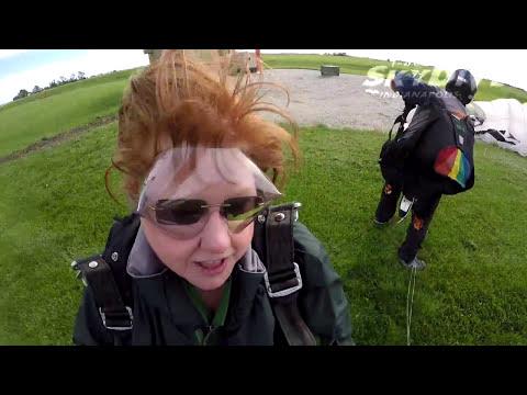 Tina Welser's Tandem skydive!
