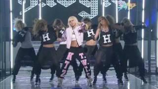 getlinkyoutube.com-[K-Chart] 3. Chitty Chitty Bang Bang - Lee Hyo-ri (2010.5.7 Music Bank Live aired)