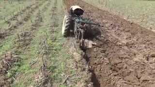 getlinkyoutube.com-[Motocultor singur la arat] [Self-plowing two-wheel tractor]