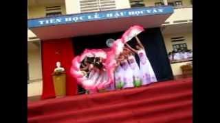 getlinkyoutube.com-Múa Thăm Bến Nhà Rồng 12A1