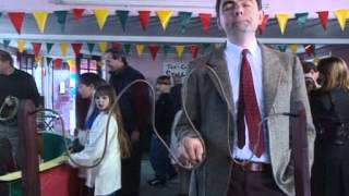 getlinkyoutube.com-Mr.Bean in a barber shop