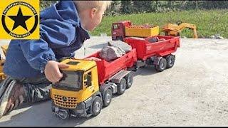 getlinkyoutube.com-BRUDER TRUCKS for Children: Mercedes Arocs & Mack Granite in heavy Duty Action