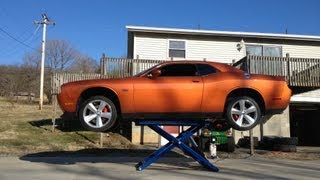 getlinkyoutube.com-BendPak MD-6XP lifting a Dodge Challenger SRT8