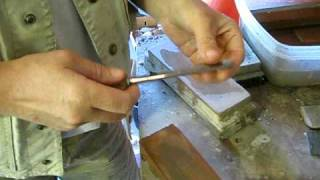 getlinkyoutube.com-Sharpening wood carving tools
