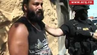 getlinkyoutube.com-Șofer analfabet și fără permis, încolțit de mascați la Arad