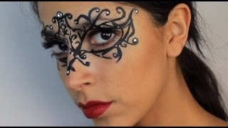 getlinkyoutube.com-Halloween Makeup: $5 Masquerade Mask