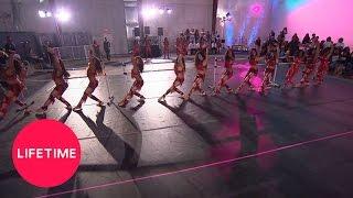 getlinkyoutube.com-Bring It!: Stand Battle: Dolls vs. Southern Royalettes, Round 2 (Season 4, Episode 6) | Lifetime