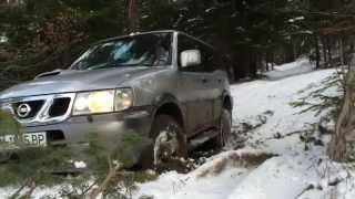 getlinkyoutube.com-Lada Niva VS Nissan Terrano light off road