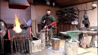 getlinkyoutube.com-Hand Forging a Bearded Axe - Part 1