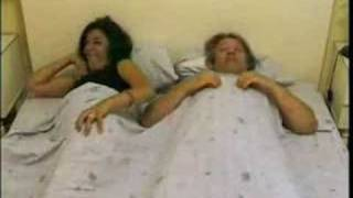 getlinkyoutube.com-pedos en la cama