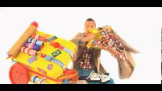 getlinkyoutube.com-Cbeebies - Mr Maker Around The World Song