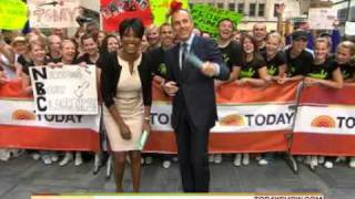 getlinkyoutube.com-Tamron Hall shows feet