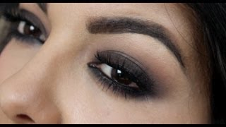 getlinkyoutube.com-Classic Smokey Eyes (2 minutes)