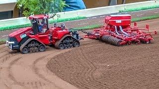 getlinkyoutube.com-RC Tractor ACTION! Case, John Deere, Claas & Fendt at work!
