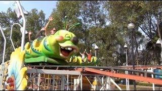 getlinkyoutube.com-Mexico City Wacky Worm Roller Coaster POV Parque Francisco Villa