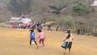 getlinkyoutube.com-Trận bóng đá đỉnh cao của phụ nữ Mông xã Pà Cò - Mai Châu