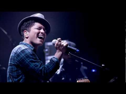 Bruno Mars - Liquor Store Blues Acoustic Live rare version 2011