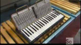 getlinkyoutube.com-How It's Made: Accordion