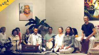 Sundaram mit Seminargruppe