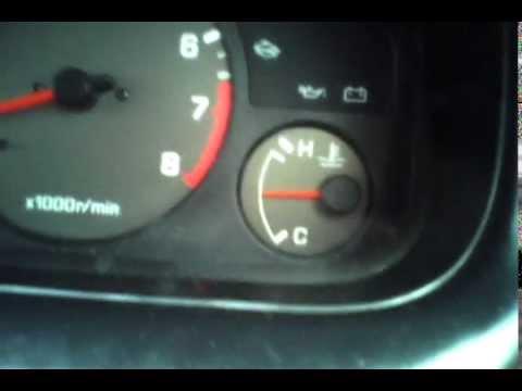 Ниссан Блюберд(Nissan ...). Лезет температура.