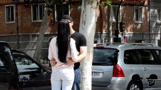 getlinkyoutube.com-BESOS FACILES ♥ KISSING PRANK - Besando a chicas desconocidas con truco de magia de cartas