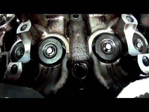 Где у Toyota Виста сальники клапанов