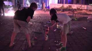 getlinkyoutube.com-American kids enjoying bursting crackers on Diwali in Chennai, India