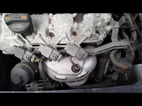 Где фильтр двигателя у Volkswagen Fox