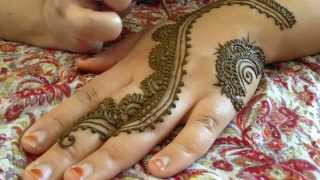getlinkyoutube.com-The Most Popular Henna Design of Summer 2014 TUTORIAL!