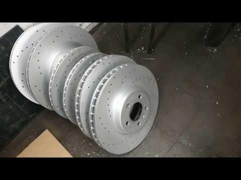 Расположение датчика износа тормозных колодок в BMW Х3 М