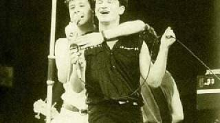 getlinkyoutube.com-U2 - New Gold Dream from Simple Minds
