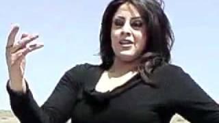 getlinkyoutube.com-رقص با حال یه دختر ایرانی رو ماشین