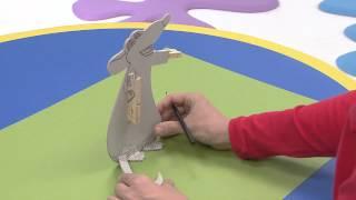 getlinkyoutube.com-Art attack - Personnages pince à linge - Sur Disney Junior - VF
