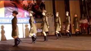 "getlinkyoutube.com-Народний тетр танцю ""Надія"" - Катюша 09.05.2015"