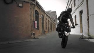 getlinkyoutube.com-Yamaha MT-125 first ride by Worldwide Bomber Magazine