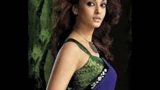 getlinkyoutube.com-aishwarya rai vs prianka chopra