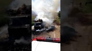 Nevşehir'de saman yüklü kamyon alev alev yandı