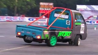 getlinkyoutube.com-Pick Up Nge-Drift Cantik (Indonesia Night City Slalom 2016) GT Radial Mandala Krida Jogja Yogyakarta